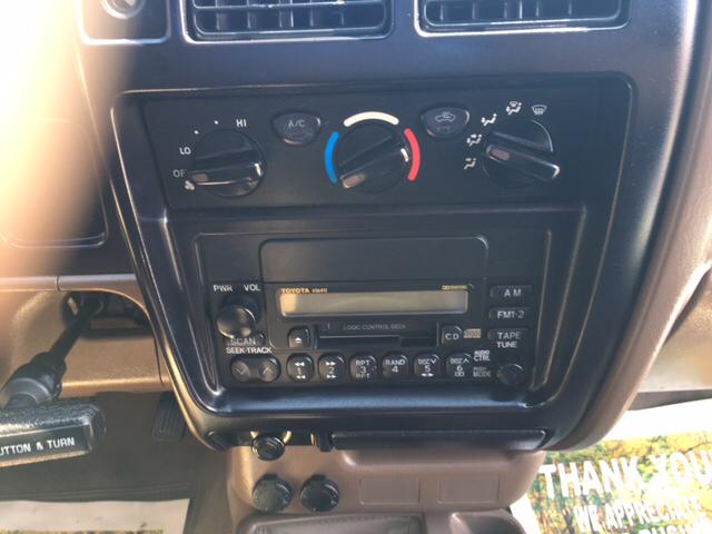 2003 Toyota Tacoma Base 2dr Standard Cab 4WD SB - London KY