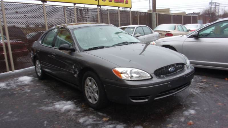 Ford Taurus SE Dr Sedan In Cleveland OH LONG BROTHERS CAR - 2005 taurus