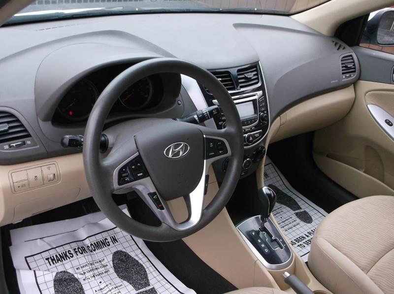2012 Hyundai Accent GLS 4dr Sedan - Cleveland OH
