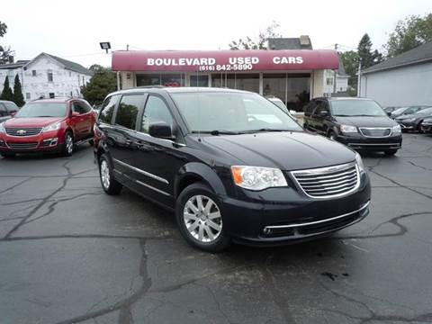 chrysler town and country for sale grand haven mi. Black Bedroom Furniture Sets. Home Design Ideas