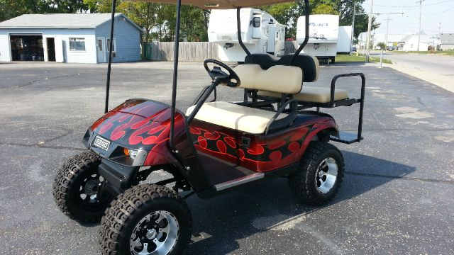 2009 2009 EZGO CUSTOM LIFTED TXT  36 VOLT