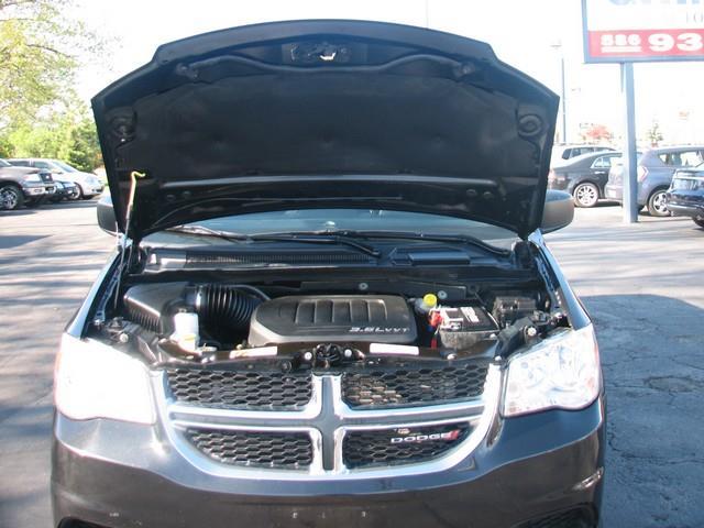 2013 Dodge Grand Caravan SE 4dr Mini-Van - Warren MI