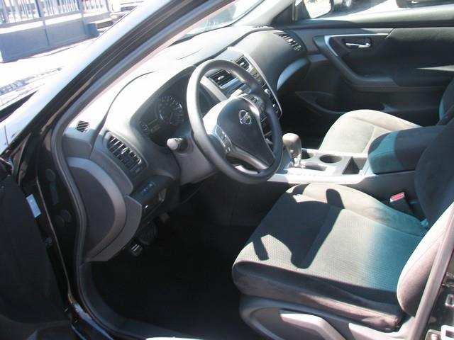 2015 Nissan Altima S - Warren MI
