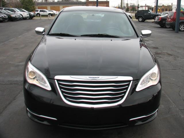 2014 Chrysler 200 Limited 4dr Sedan - Warren MI