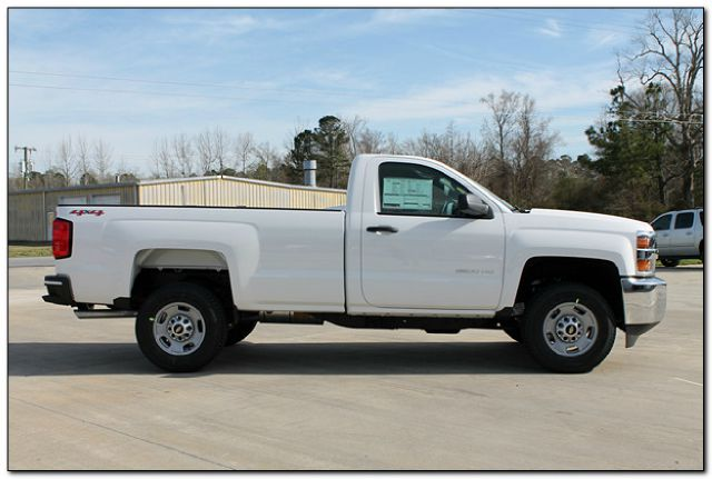 2015 Chevrolet Silverado 2500 Work Truck 4x4 2dr Regular