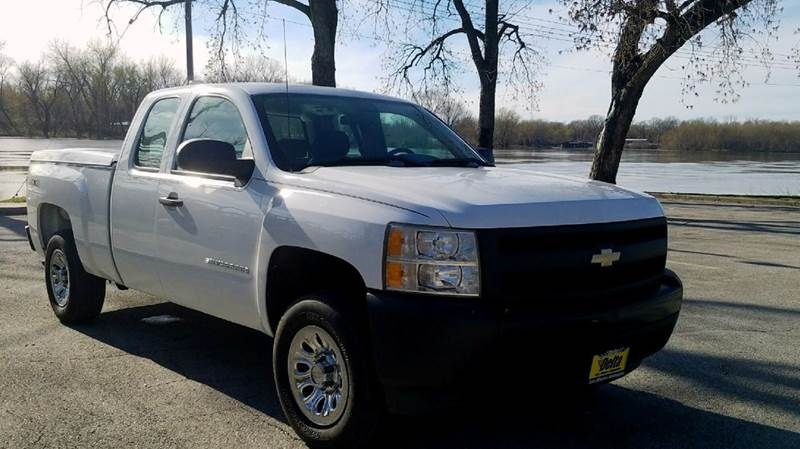 2007 Chevrolet Silverado 1500 Work Truck 4dr Extended Cab 4WD 6.5 ft. SB - Quincy IL