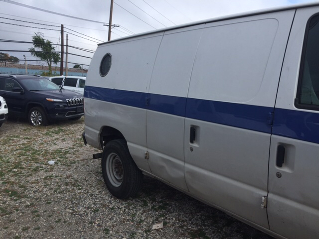 2004 Ford E-Series Cargo E-350 SD 3dr Cargo Van - West Islip NY