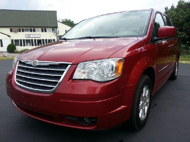 2008 Chrysler Town and Country for sale in Merrimack NH
