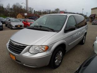 2007 Chrysler Town and Country for sale in Zanesville, OH
