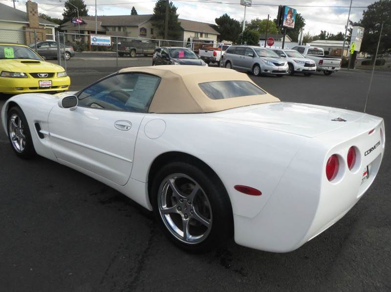 2004 Chevrolet Corvette 2dr Convertible - Clarkston WA