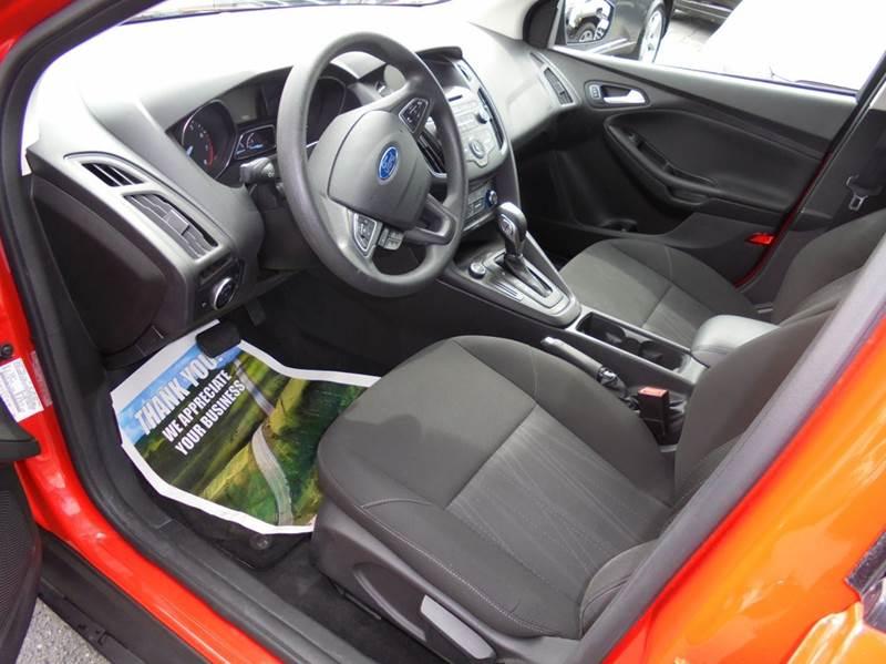 2015 Ford Focus SE 4dr Hatchback - Clarkston WA