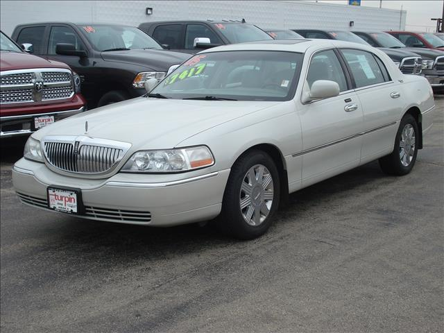 2005 Lincoln Town Car for sale in Dubuque IA