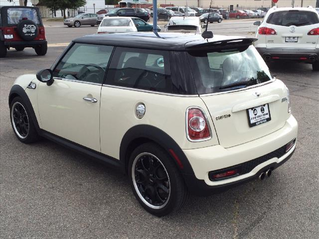 2012 MINI Cooper Hardtop S 2dr Hatchback - Wichita KS