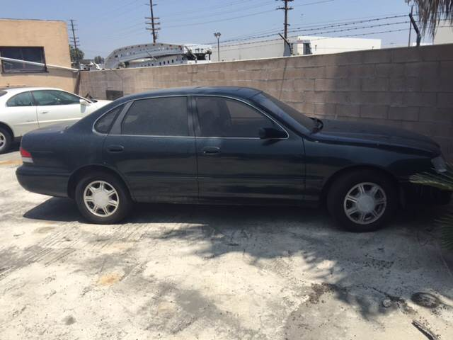 1995 TOYOTA AVALON XLS 4DR SEDAN green vehicle recently serviced  smoged warranty 6 months600