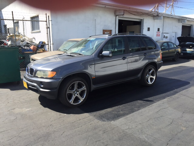 2003 BMW X5 30I AWD 4DR SUV gray vehicle recently serviced  smoged warranty 6 months6000 mil