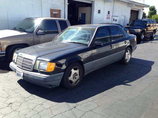 1991 MERCEDES-BENZ 300-CLASS 300E 4DR SEDAN black vehicle recently serviced  smoged warranty 6