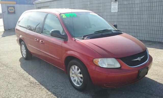 2003 Chrysler Town and Country LX Popular 4dr Mini Van - Barberton OH
