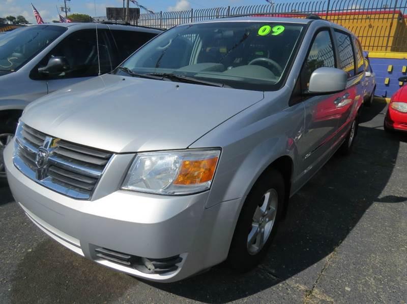 2009 Dodge Grand Caravan  Miles 144911Color SILVER 38 Stock 1076 VIN 2D8HN54189R638246