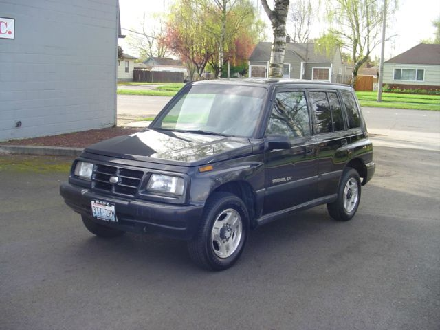 1997 GEO Tracker for sale in Longview WA