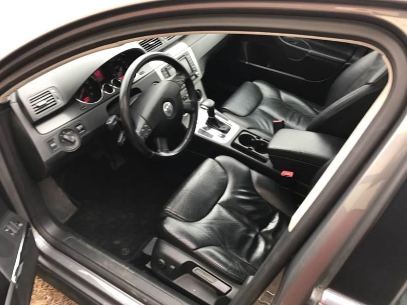 2006 Volkswagen Passat 2.0T 4dr Sedan w/Automatic - Sauk Rapids MN