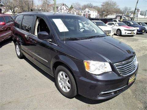 2013 Chrysler Town and Country for sale in Newark NJ