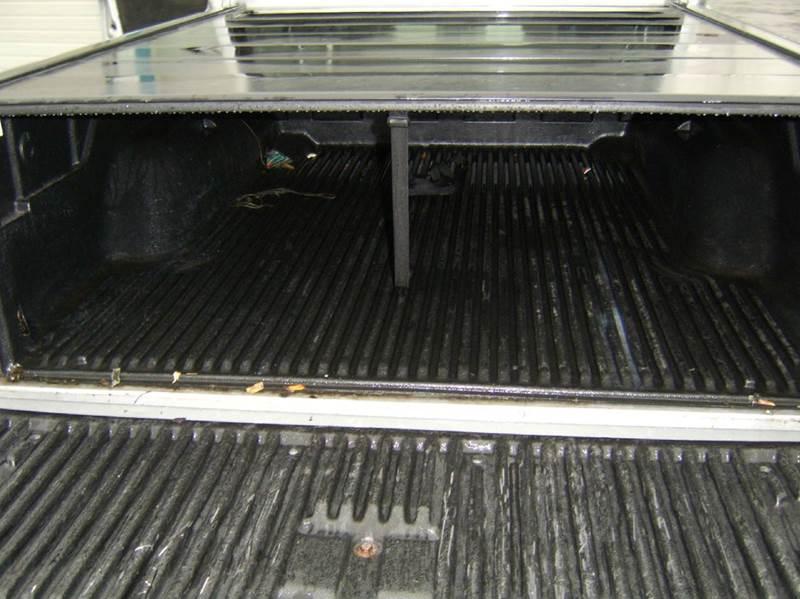 2004 Dodge Dakota 4dr Quad Cab SXT 4WD SB - Crystal Lake IL