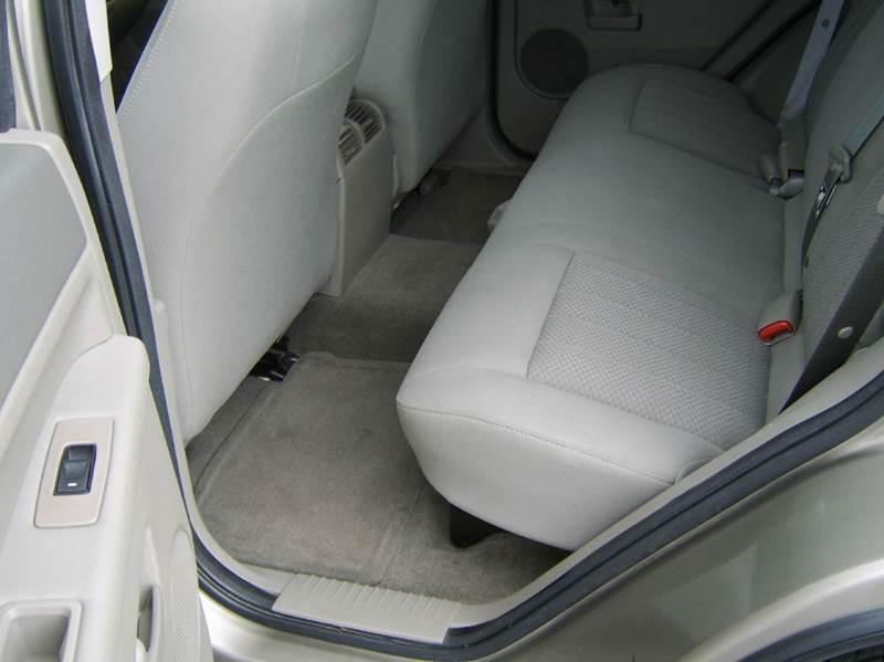 2006 Jeep Grand Cherokee Laredo 4dr SUV 4WD - Crystal Lake IL