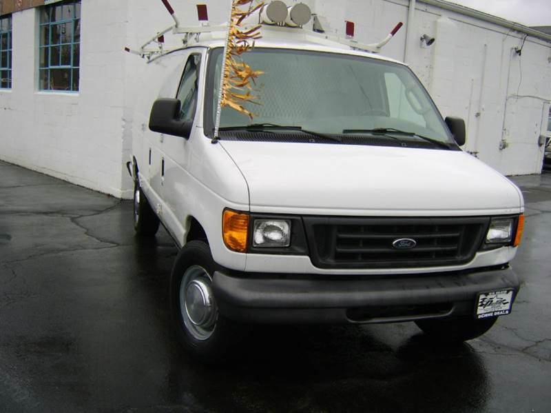 2005 Ford E-Series Cargo E-250 3dr Extended Cargo Van - Crystal Lake IL