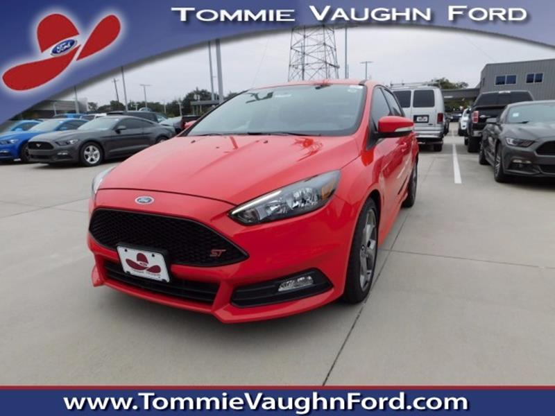 2017 ford focus st 4dr hatchback in houston tx tommie vaugn ford. Black Bedroom Furniture Sets. Home Design Ideas