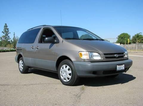 1998 Toyota Sienna for sale in El Cajon, CA