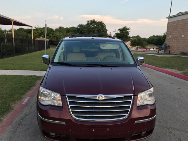 2008 Chrysler Town and Country Limited 4dr Mini Van - San Antonio TX