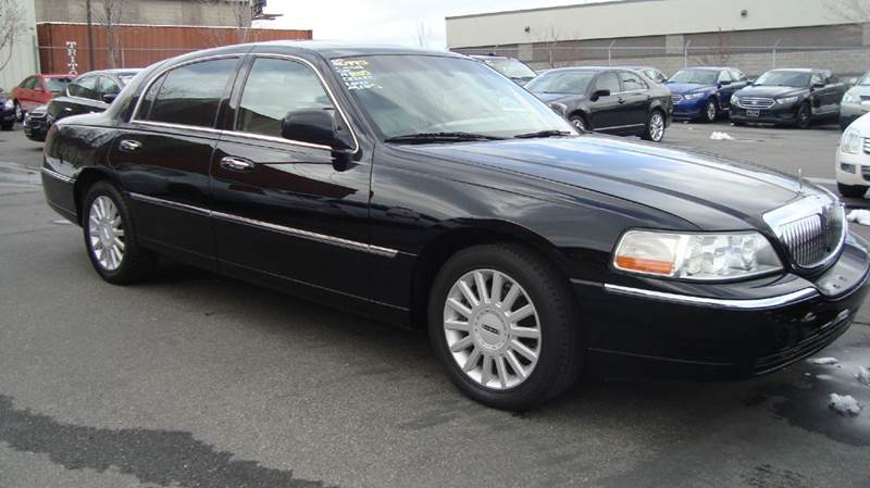 2005 lincoln town car signature limited 4dr sedan in murray ut brad 39 s cars inc. Black Bedroom Furniture Sets. Home Design Ideas