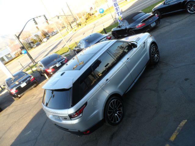 BMW X5 or Range Rover Sport?