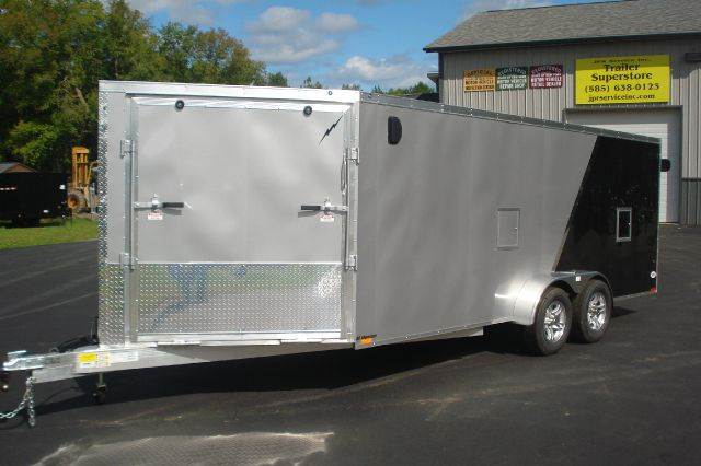 2015 Lightning Aluminum 23 Ft Enclosed Snowmobile Trailer, 3 Place