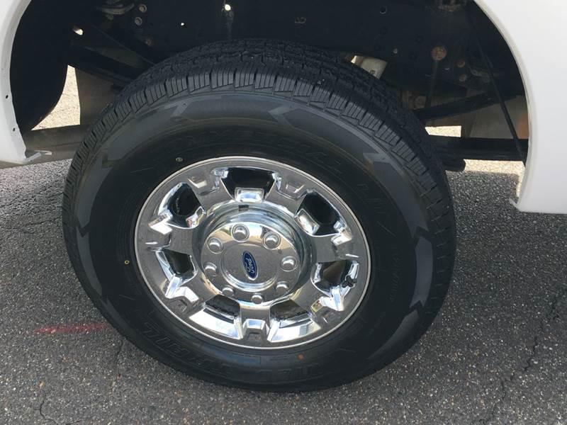 2013 Ford F-250 Super Duty XLT 4x4 4dr Crew Cab 6.8 ft. SB Pickup - Fredericksburg VA