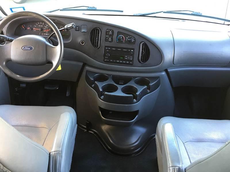 2006 Ford E-Series Wagon E-350 SD XL 3dr Extended Passenger Van - Fredericksburg VA
