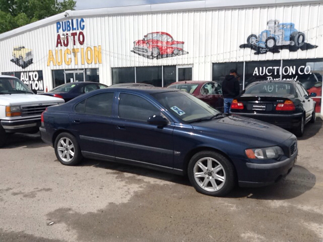 2002 volvo s60 2 4t 4dr sedan in pueblo fountain pueblo. Black Bedroom Furniture Sets. Home Design Ideas
