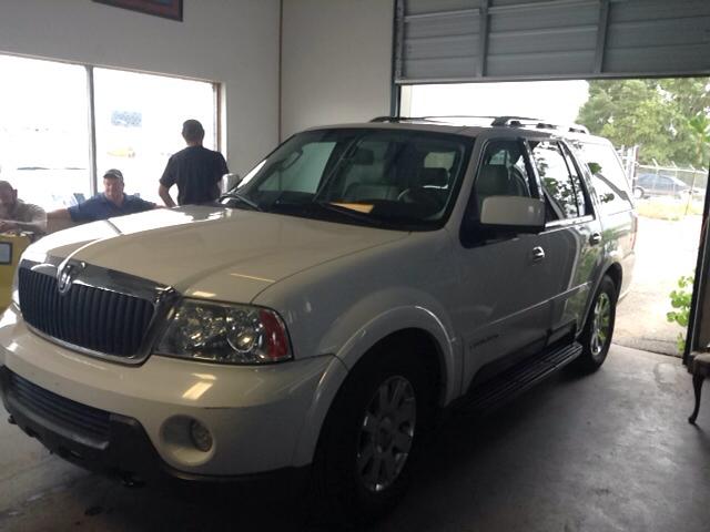 2004 Lincoln Navigator