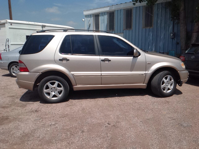2001 mercedes benz m class ml320 awd 4matic 4dr suv in for Mercedes benz ml320 suv