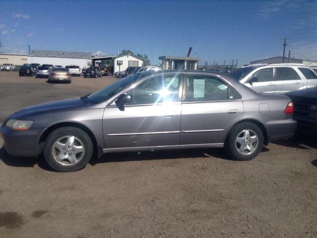 2000 honda accord ex v6 4dr sedan in pueblo co pyramid motors public auto auction. Black Bedroom Furniture Sets. Home Design Ideas