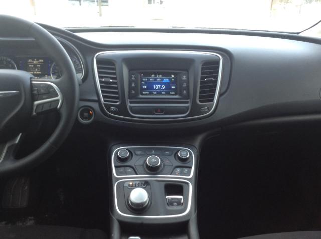 2015 Chrysler 200 Limited 4dr Sedan In Commerce Township