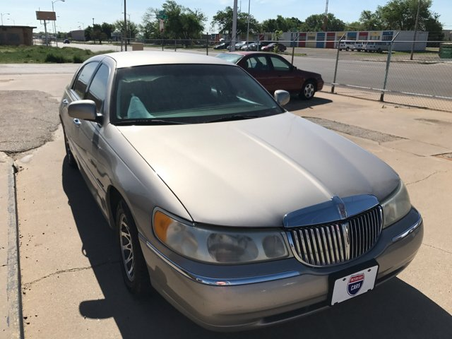 2000 Lincoln Town Car Signature 4dr Sedan - Amarillo TX