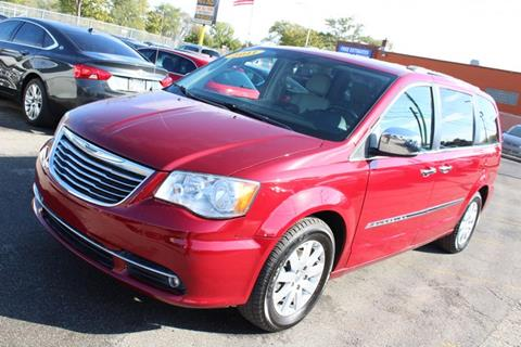 2011 Chrysler Town and Country for sale in Wayne, MI