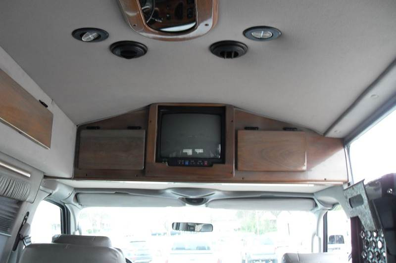 2003 Ford E-250 Presidential conversion - Paragould AR