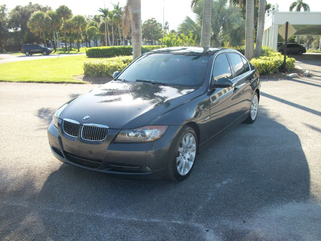 2006 BMW 3 SERIES 330I SEDAN grey a real cult classic this bmw 330i features a very powerful 30 i