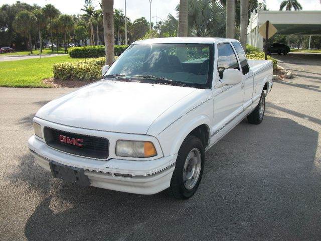 1995 GMC SONOMA CLUB COUPE 2WD white great on gas 4 cylinder pick up with extended cab featuring a