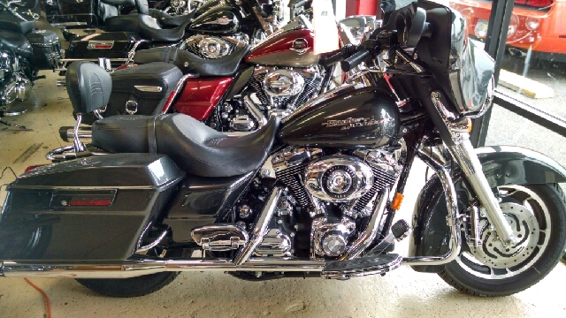 2007 HARLEY-DAVIDSON STREET GLIDE UNSPECIFIED gray 2007 harley davidson street glide with lots of
