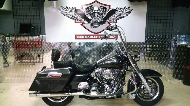 2006 HARLEY-DAVIDSON ROAD KING FLHR black wow wow wow  this is one nice road king that has alo