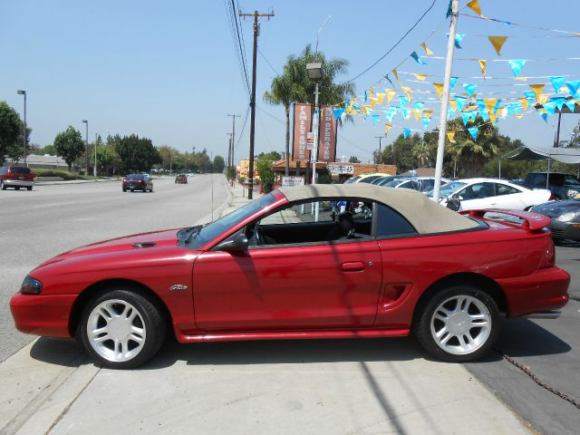 ford mustang convertibles for sale used cars on oodle autos post. Black Bedroom Furniture Sets. Home Design Ideas