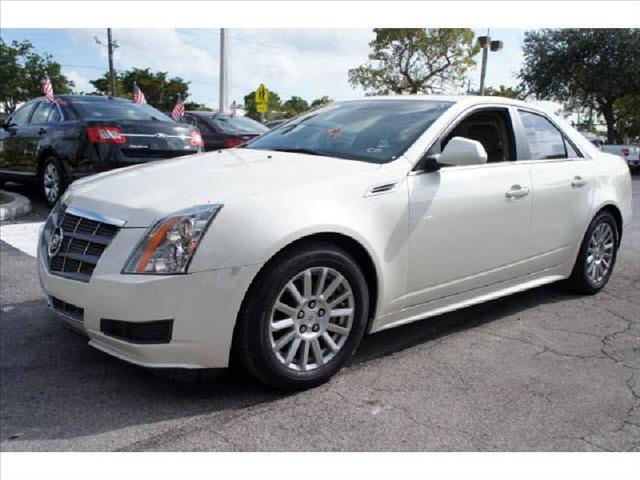 2010 CADILLAC CTS LUXURY COLLECTION white one owner non smoker steering commands luxuriou